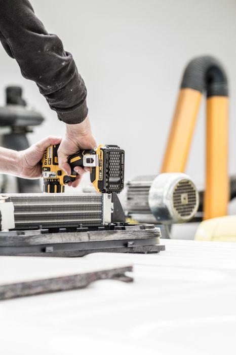 Unternehmens-Fotografie Strobel Rettungswagen Klimaanlage Montage