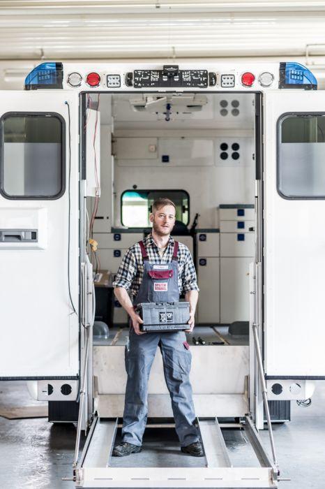 Mitarbeiter Portrait Rettungswagenbau
