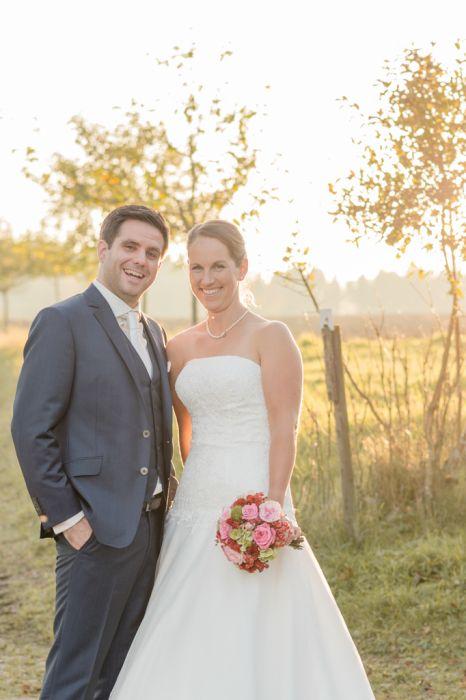 Gegenlichtaufnahme Brautpaar