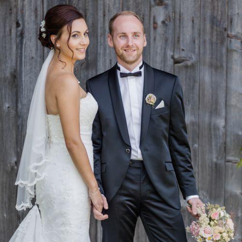 Brautpaar Portrait Scheune